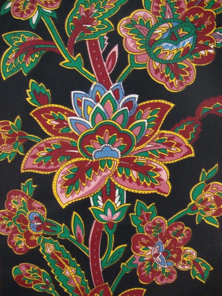 Entremeioslusos: chitas de Alcobaça. | Traditional Portuguese cotton fabric pattern.