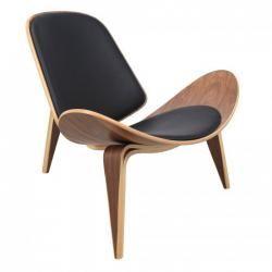 One of Scandinavia´s best designers is Hans Wegener. Apart from my favorite kitchen (Boffi k2), he also designed some beautiful furniture. Hans Wegener shell chair