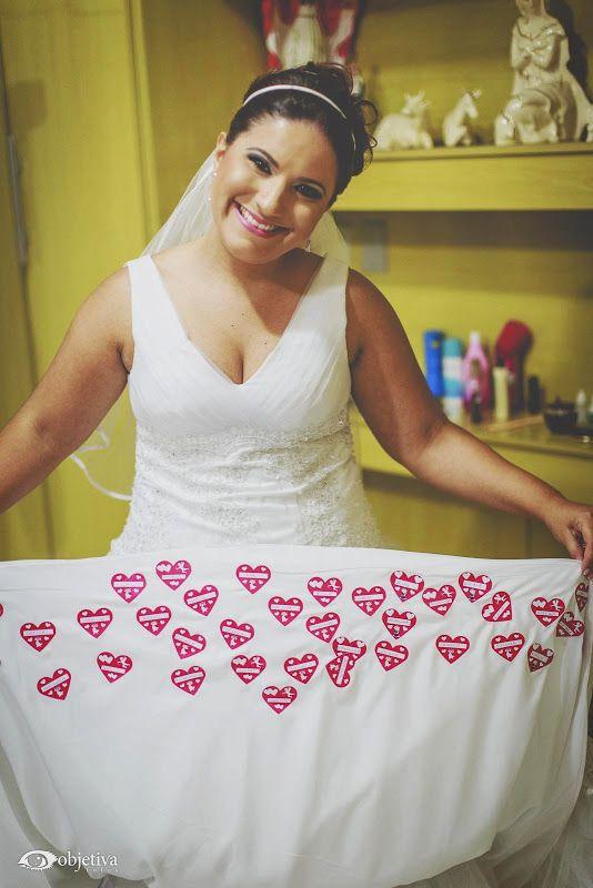 Nomes na barra do vestido