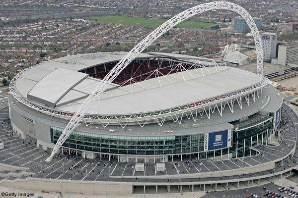 Wembley Stadium, Londres (Reino Unido): 90.000 personas