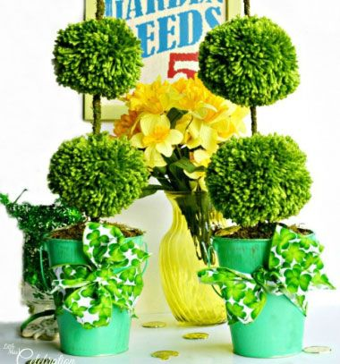 DIY spring pompom topiaries // Gömb formájúra nyírt bokrok fonalból // Mindy - craft & DIY tutorial collection