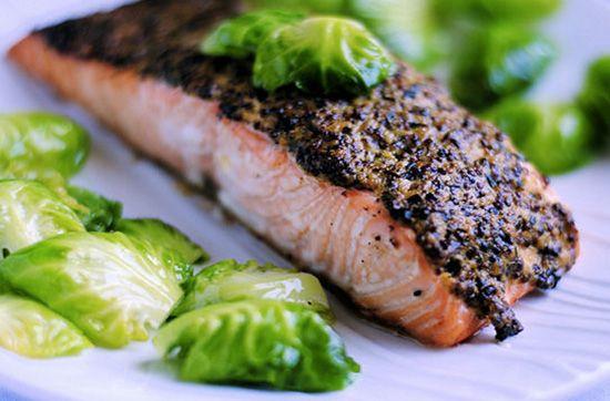 Запеченное филе лосося с горчичной корочкой