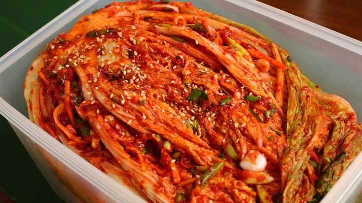 Full recipe: http://www.maangchi.com/recipe/tongbaechu-kimchi This is the classic, spicy, traditional napa cabbage kimchi called tongbaechu-kimchi, aka baech...