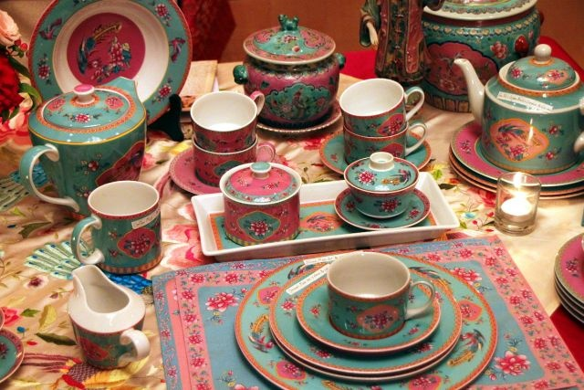 Peranakan porcelain collection of Ghea Panggabean | Mulia Hotel, Nov 2012