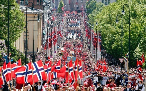 """We do really make our """"national day""""   #Norway #national_day"""