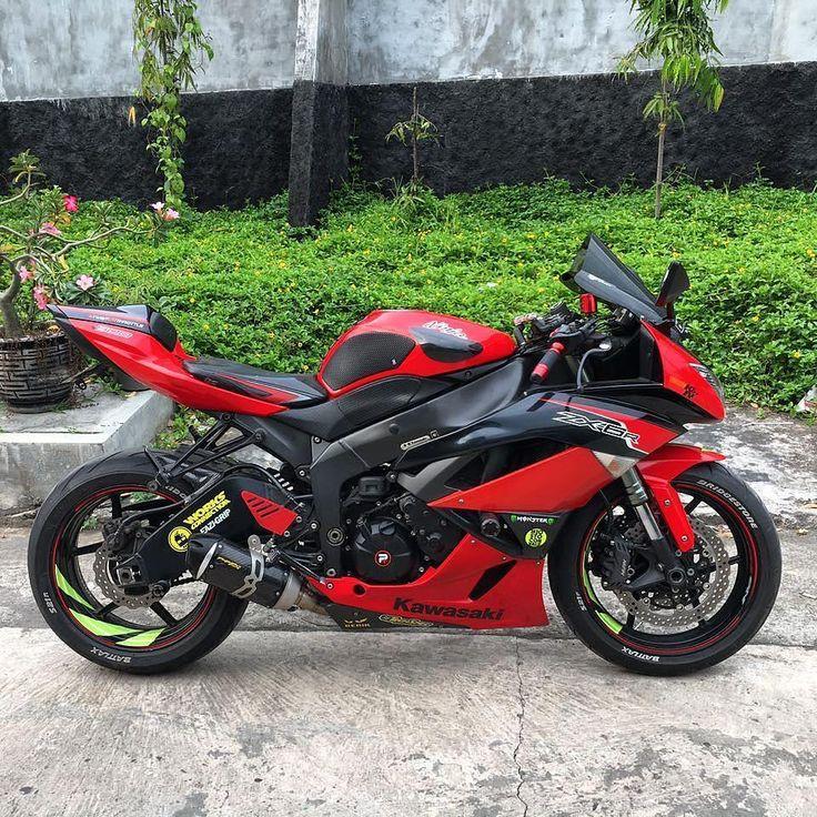"""7,575 curtidas, 10 comentários - Motorcycles Daily (@bikekingz) no Instagram: """"Beastly zx6r! @mogesurabaya #Kawasaki #ZX6R #BikeKingz"""""""