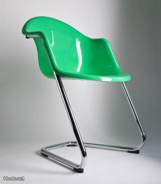 Yrjö Kukkapuro design -tuoli, valmistaja Haimi / Yrjö Kukkapuro design chair, manufacturer Haimi