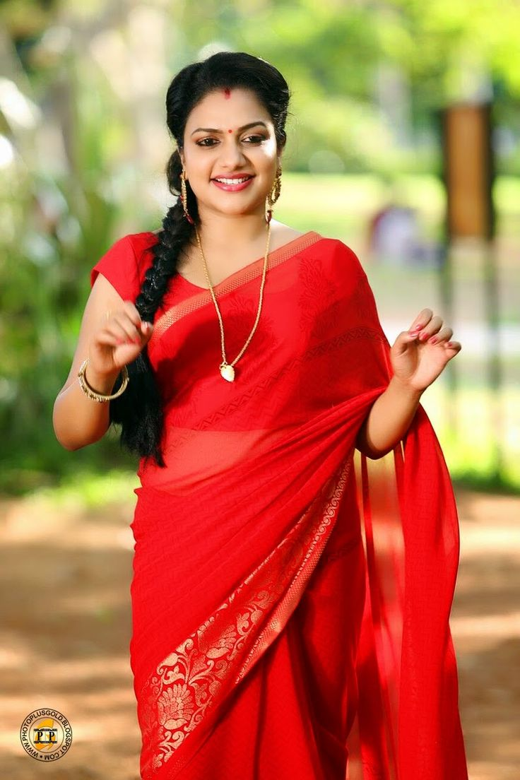 MALAYALAM SUPER PLAYBACK SINGER RIMI TOMY NOW FILM ACTRESS!! / CUTE RIMI TOMY IN HOT RED SREE LATEST IMAGES