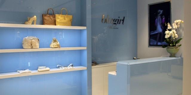 Un nuovo concept per la boutique Blugirl a Roma ed una nuova location, il negozio su sposta da via della Croce, 84 a via Bocca di Leone, 65/A.  http://www.sfilate.it/188550/uno-stile-sofisticato-per-la-nuova-boutique-blugirl-a-roma