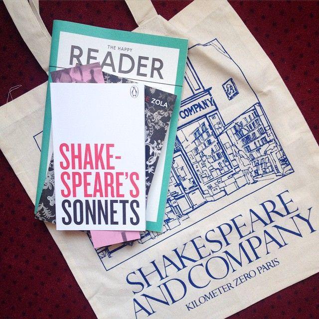 Nye bøger som jeg købte i Paris i foråret. Nettet fra Shakespeare and Company er så fint, jeg næsten ikke nænner at bruge det.