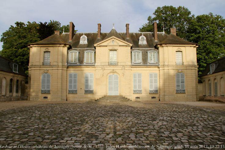 Le Jour ni l'Heure 8384 : château de Jossigny, 1751-1753, œuvre de Jules Hardouin-Mansart de Sagonne, 1711-1778, Seine-&-Marne, Île-de-France, jeudi 16 août 2012, 19:22:13   par Renaud Camus