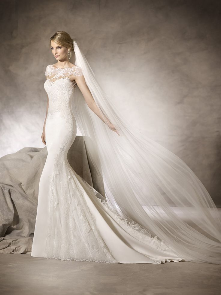Beautiful fitted, soft lace and silk crepe wedding dress @ House of Silk Bridal Studio. Cape Town weddings <3
