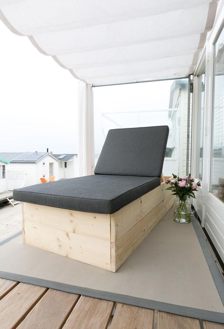 Het nieuwe ligbed van Jacqueline in haar strandhuisje   Make-over door Marie-Gon Vos