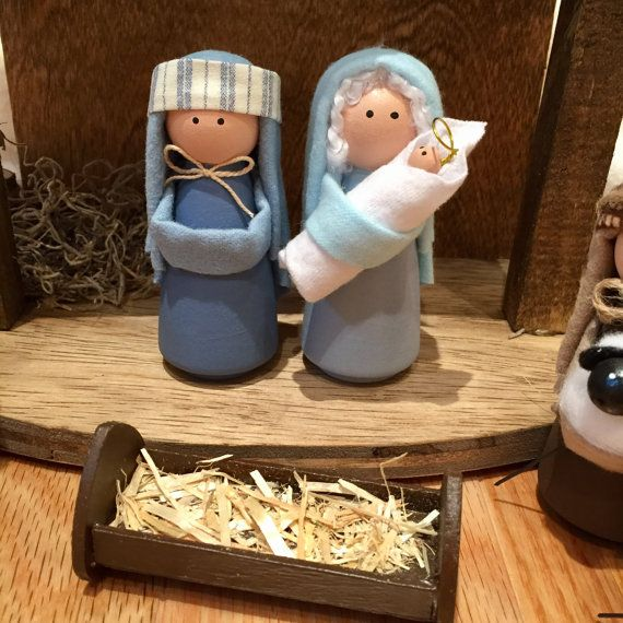 Deluxe Nativity Set 14 Pieces Including Handcrafted Stable
