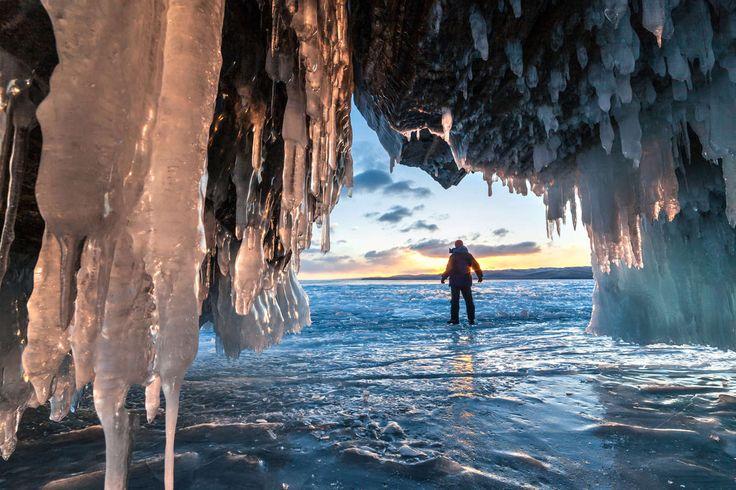Noticias ao Minuto - Lago Baikal gelado, Sibéria © ISTOCK