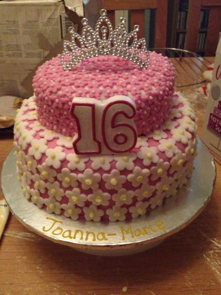 Joanna's Sweet 16th Birthday Cake. Princess style for a wanna be princess lol x