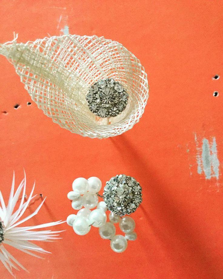 #hairposies! Hairpins with #swarovski crystal centres. #brides #handmade #perthbride #bridal #wedding #melbournebride #perthmilliner #pearls  #hairposies #love