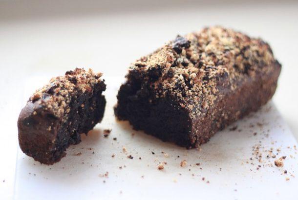 コーヒーが香る大人の味わい。もち米粉とアボカドで作る「アボモカブラウニー」の作り方 | roomie(ルーミー)
