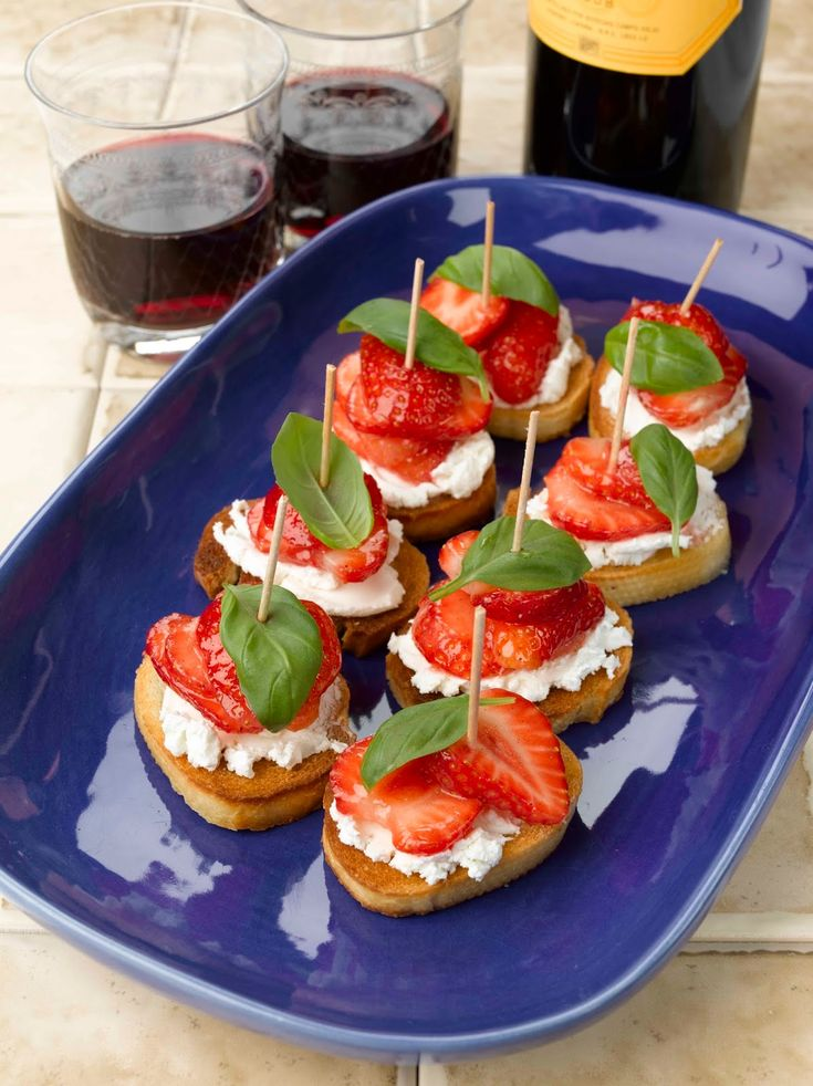 I Wasn't Expecting That...: BerryWorld Strawberry And Goats' Cheese Pinchos...