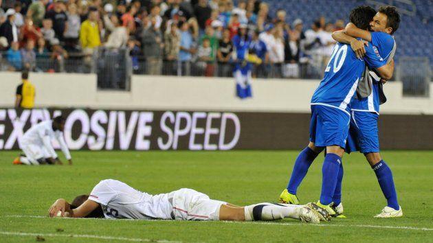 El Salvador advances to semifinals! Not since 76'