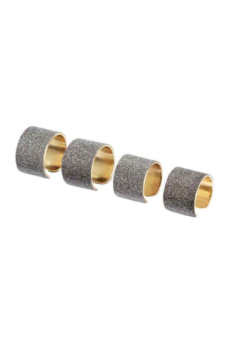 Anéis, pack de 4 : Anéis em metal de diferentes tamanhos com a superfície exterior brilhante.