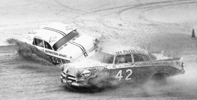 Lee Petty (#42) passes Ralph Moody during the 1956 NASCAR Grand National season.