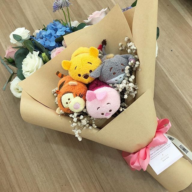 Have You Checked Out Our April Special Yet This Cute Tsum Tsum Bouquet Is Going For Just 44 Including Delivery Fleuristesg Tsumtsum Bunga Buket