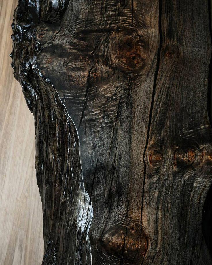 Some late night woodgrain thats so hot we can't show the whole thing. 😮😂 #woodgrain #ebonizedmaple #glossy #woodworking #bigwood #custombench #custommade #handmade #liveedge #bestigwoodworking #etsyshop #transtint #generalfinishes #chatoyance #naturalproducts #luxurystyle #phoenix