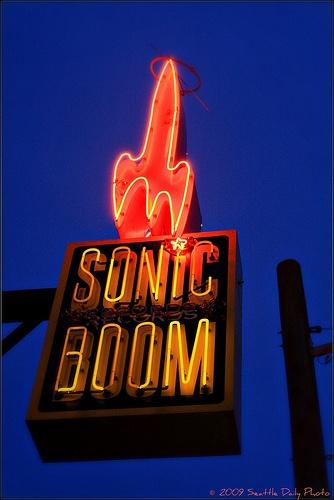Sonic Boom music store, Seattle: Modern Googie