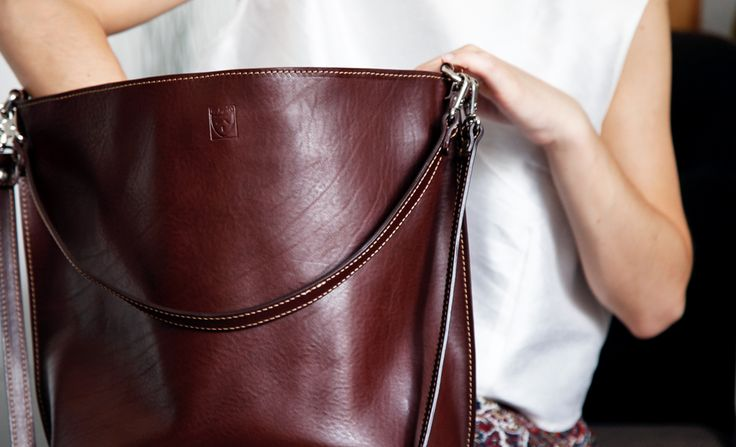 VELA BAG  #elmato #madeinitaly #originaldesign #unconventionalstyle #highqualitymaterials #newcollection #brown #forher #summeroutfit #summerstyle #leatherbag #handmadebag #vegetabletannedleather #leatherdetails #bagslovers #fashionbag #musthave #onetsy