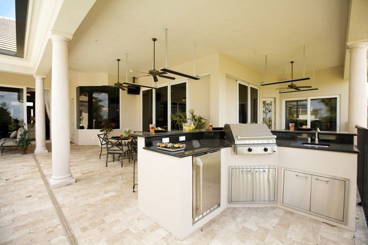 Outdoor dining, alfresco dining, patio heater, outdoor kitchen, built in BBQ
