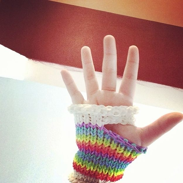 Handwear. | The 30 Most Important Rainbow Loom Accomplishments Of 2013