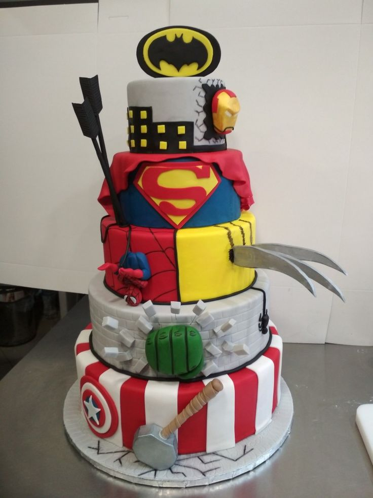Marvel superheroes cake