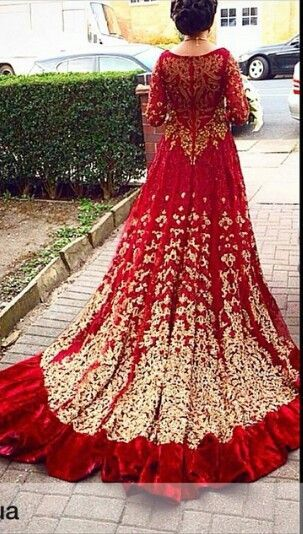 <3 this red and gold bridal lehenga with that stunning train!  #IndianWedding…