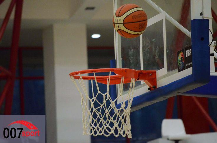 Baschet masculin: Oltenii sper să se apropie de play-off după meciul cu Dinamo