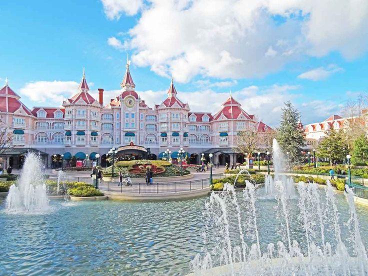 Abtauchen in eine andere Welt - Abtauchen in eine andere Welt - Das Disneyland Paris bietet mit seinen zwei Parks viele Attraktionen. Ein Reisebericht von mir und einige Tipps für einen tollen Aufenthalt.  http://www.beautynature.ch/travel-disneyland-paris/ ---------------------------------  Dive into another world - With its two parks, Disneyland Paris offers many attractions. A travel report from me and some tips for a great stay #travel