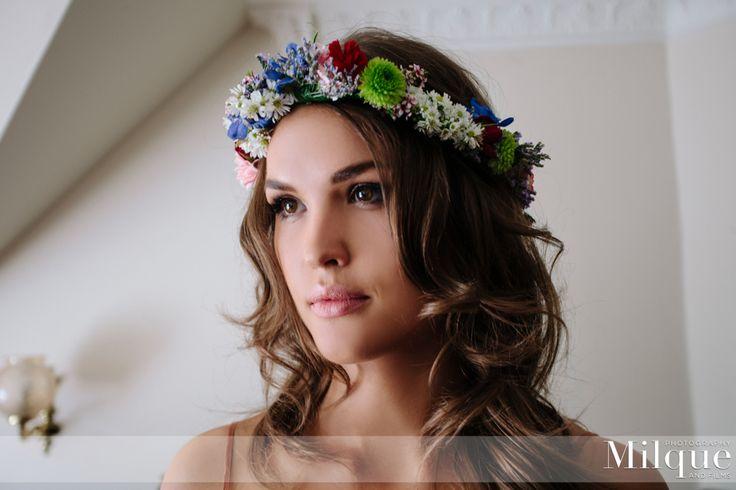 #Hair #brunette #flower #crown #makeup