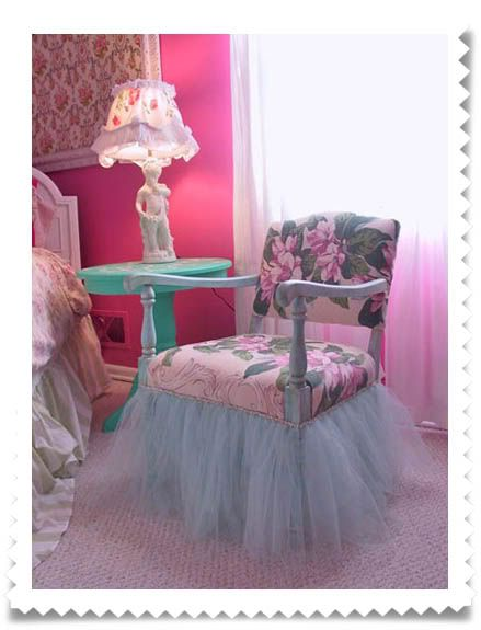 Tutu chair. Make this for kids rooms, or should I say little princess's rooms!!!