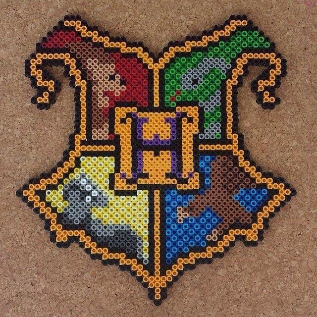 Harry Potter crest perler beads by lilopixart