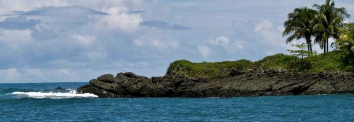 Drake Bay, Costa Rica Drake Bay is located on the Northern end of the Osa Peninsula, in the province of Puntarenas. While it is a popular destination, it is quite inaccessible and is probably the most difficult place to reach in Costa Rica