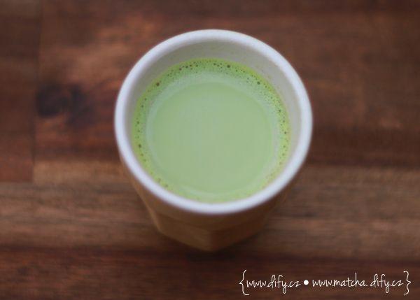 Mini Matcha s mlékem, mega nakopnutí! :)