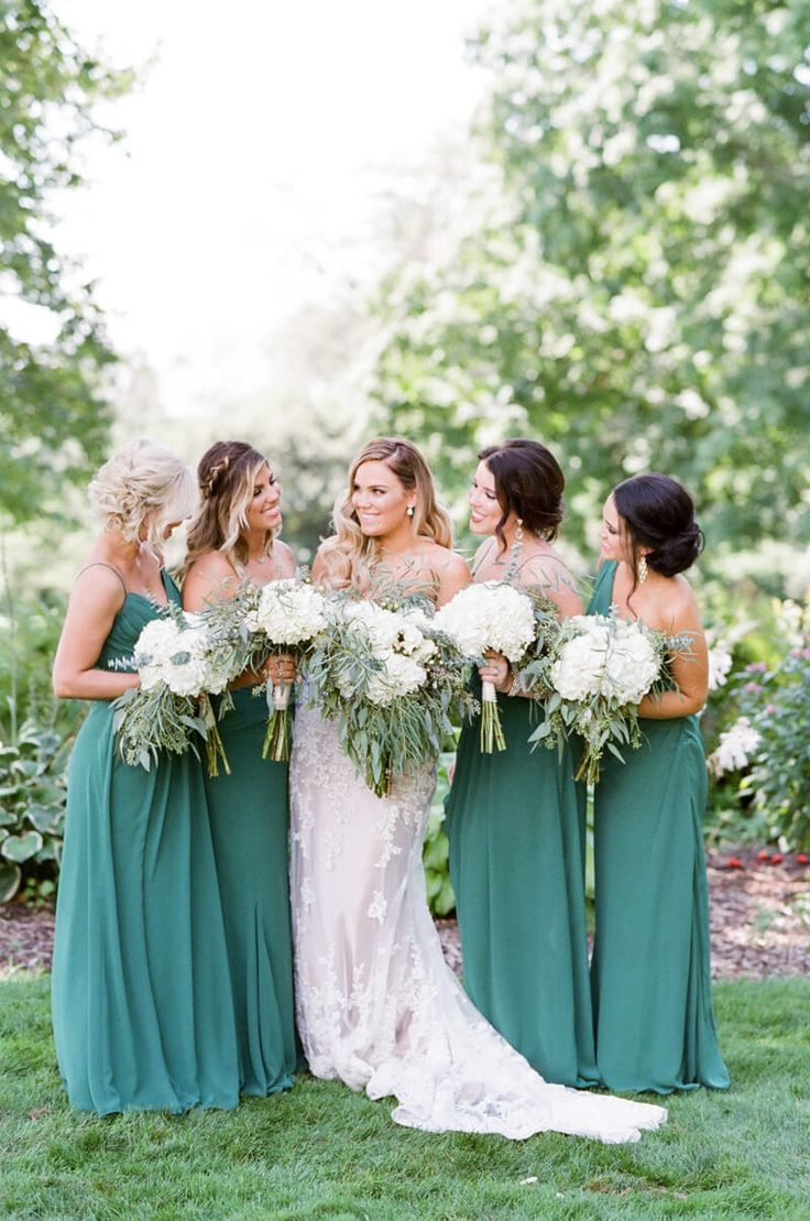 Beautiful bridesmaids in green dresses from Wheaton Illinois Wedding http trendybride