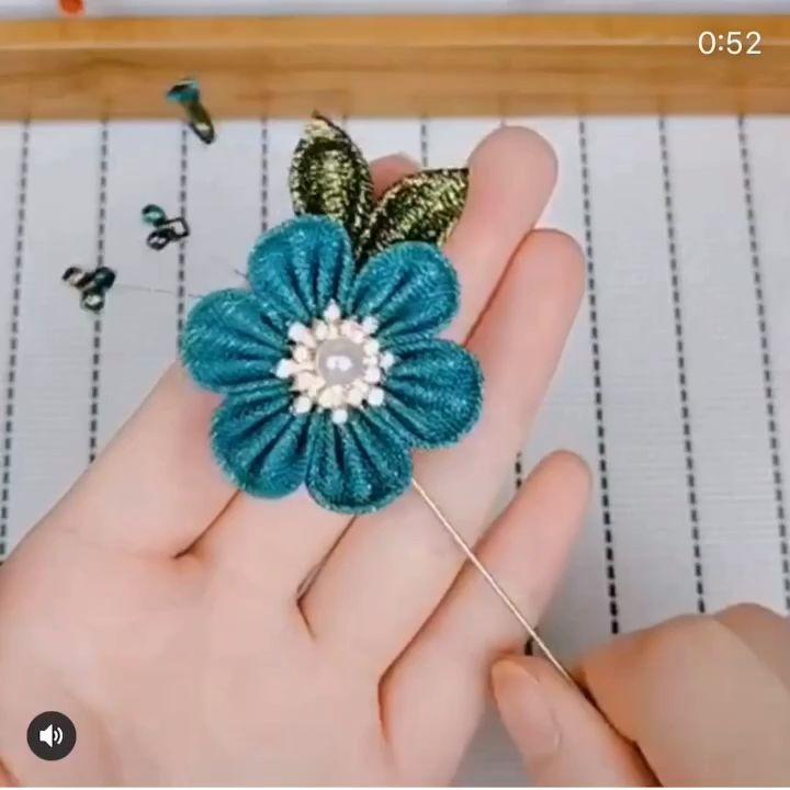 Inspiração Flor de cetim