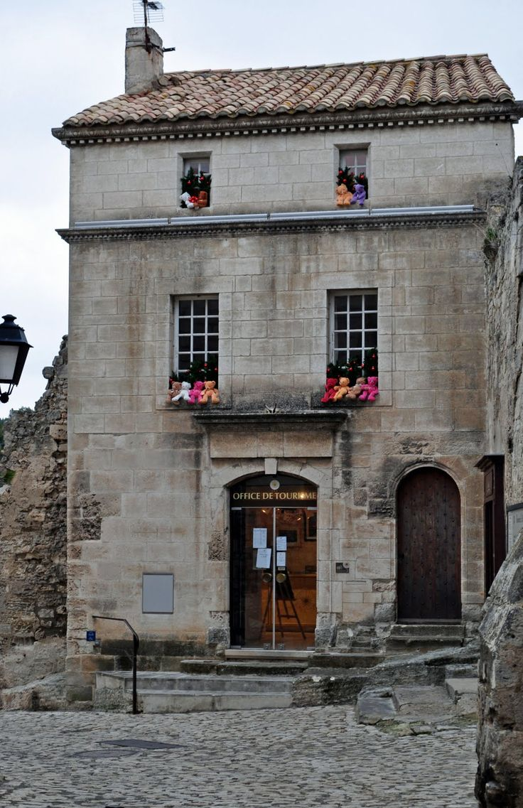 38 best les baux de provence images on pinterest - Office de tourisme les baux de provence ...