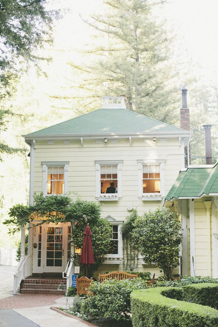 greensGreen Roofs, Ideas, Sweets, Exterior, Dreams House, Front Doors, Cottages, Porches, White House