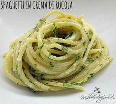 Spaghetti con crema di rucola e robiola - Molliche di zucchero