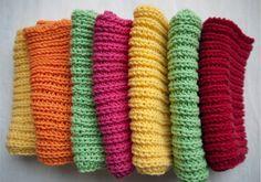 Jeg brugte Mandarin Petit bomuldsgarn fra Sandnes Garn. Det kan vaskes på 60 grader i vaskemaskinen og findes i mange fine farver og strikk...