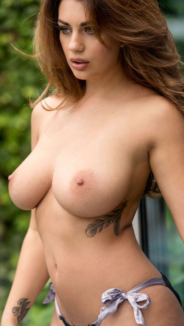 "hollyheaven: ""Holly Peers """
