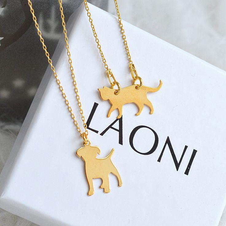 Złoty naszyjnik z kotkiem  >>> https://laoni.pl/zloty-naszyjnik-z-kotkiem #kotek #prezent #biżuteria #święta #naszyjnik