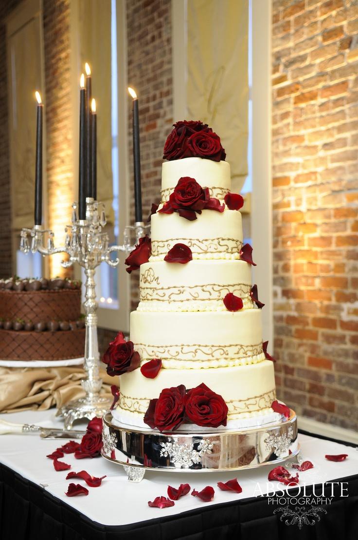 Dramatic Wedding Cakes